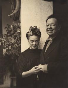 32 -Nickolas Muray - Frida Kahlo and Diego Rivera in Tizapán (1937)